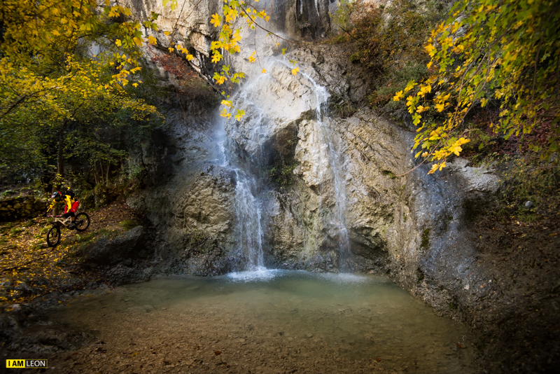 Vackra vattenfall i Uceka